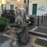 La fontana antica di piazza del Mercato