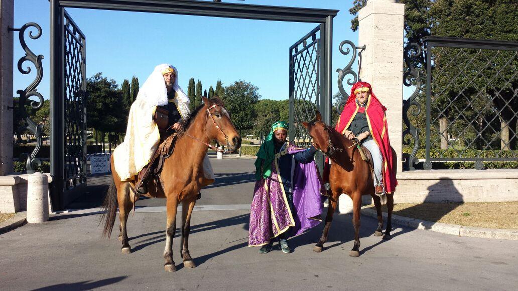 Nettuno i re magi a cavallo portano i doni ai bimbi del - Cosa portano i re magi ...